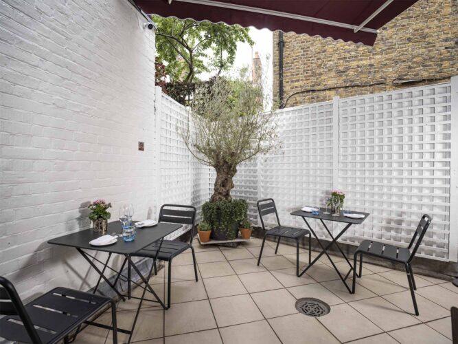 2850 Chelsea Terrace
